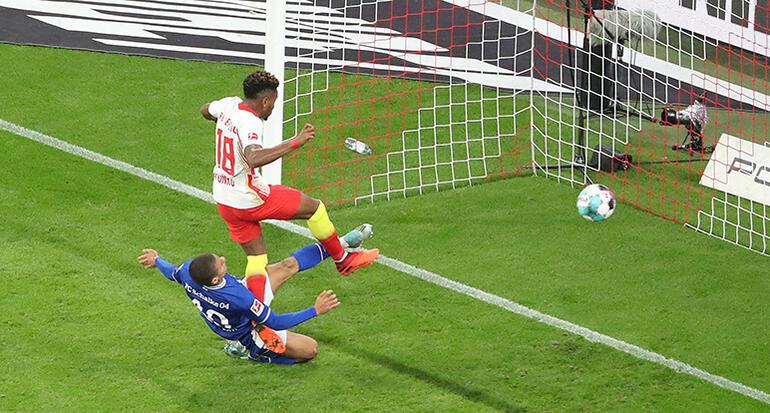 Schalkenin kalesi düştü 3 maçta 15 gol yedi