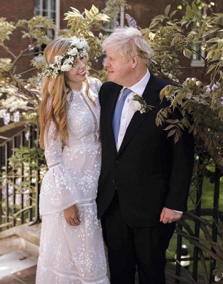 İngiltere Başbakanı Boris Johnsonın gizli nikahından ilk kare