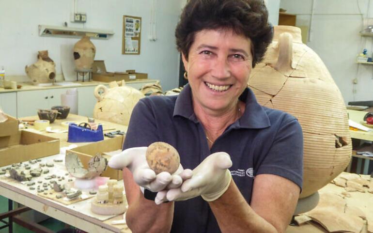 İsrailde bulunan yumurta bin yıl dayandı, götürüldüğü laboratuvarda ise kırıldı
