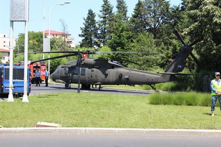 Görenler şoke oldu... Helikopter caddenin ortasına indi